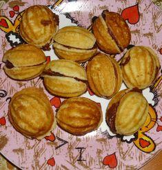 Reteta culinara Nuci umplute din categoria Prajituri. Cum sa faci Nuci umplute Pretzel Bites, Muffin, Bread, Cookies, Breakfast, Sweet, Desserts, Food, Vegan Recipes