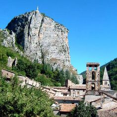 Castellane, gateway to Gorges du Verdon, le Roc