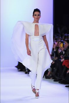 naimabarcelona: Nieves Álvarez opening Stéphane Rolland Haute Couture Fachion Show |Spring 2014