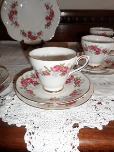Vintage Royal Sutherland rosebud teaset for 6 lovely pattern | eBay