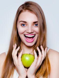 Wir setzen unsere Haut auf Diät. Klingt komisch aber macht Sinn, weil die Ernährung den Teint positiv beeinflussen kann.