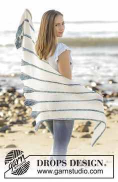 Blue Callas shawl with leaves and stripes by DROPS Design Free Knitting Pattern