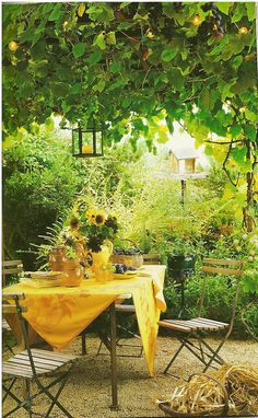Turn your backyard to the perfect al fresco weekend dinner & drinks area for your friends & family Outdoor Rooms, Outdoor Dining, Outdoor Gardens, Outdoor Decor, Outdoor Retreat, Dining Area, Dining Table, Gazebos, Patio Interior