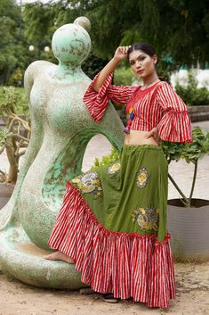 GREEN COTTON WITH LINING FRILL CHANIYO AND RED WITH FRILL LINING TOP Garba Dress, Navratri Dress, Choli Dress, Frock Fashion, Indian Fashion Dresses, Fashion Outfits, New Lehenga, Lehenga Gown, Ghaghra Choli