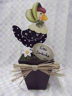 Vaso galinha de chapéu em mdf | Artesanatos Ingrid Carvalho | 170049 - Elo7