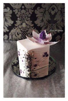 Mini+square+jewelry+box+cake++-+Cake+by+Mariana