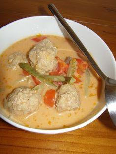 Pożywna zupa z kuleczkami z mielonego mięsa :)