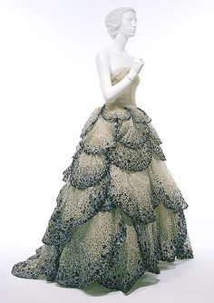 Fashion Moment: Miley Cyrus in Zuhair Murad | PRISCILLA PARIZEAU