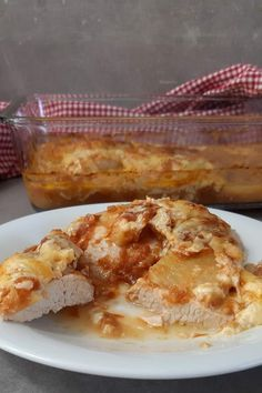 Today I'm going to show you how to make a low carb Hawaiian schnitzel with tomato sauce, cream a Schnitzel Hawaii, Low Carb High Fat, Lchf, Low Carb Recipes, Lifestyle Blog, French Toast, Good Food, Honey, Cooking
