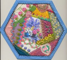 how to do crazy patchwork Crazy Quilt Stitches, Crazy Quilt Blocks, Crazy Quilting, Art Fil, History Of Quilting, Crazy Patchwork, Quilt Border, Hexagon Quilt, Quilting Tutorials