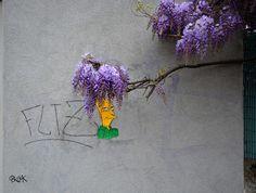 candy street - Artist Leon Keer created this candy street art display for the Malta Street Art Festival. Leon Keer titled his project 'Gummy Bear Street Art. Potpourri, Art Intervention, Amazing Street Art, French Street, Art Series, Street Art Graffiti, Street Artists, Public Art, Installation Art