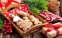 Download wallpapers Cookies, Christmas, New Year, baking, decorations