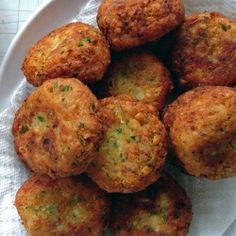 Crispy homemade Falafel - easier than you might think using canned chick peas!