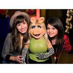 Selena Gomez and Demi Lovato with Miss Piggy :) ❤ liked on Polyvore featuring selena gomez, demi lovato, demi, selena and demi and selena