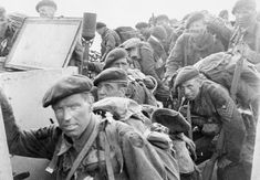 Film still of commandos of Special Service Brigade about to disembark from an LCI on Queen Red beach, Sword area, June Normandy Ww2, D Day Normandy, Normandy Invasion, Ww2 Pictures, Military Pictures, D Day Beach, Red Beach, British Commandos, D Day Landings