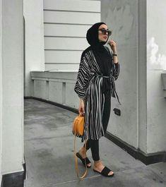 Latest Hijab Outfits to Rock – Hijab Fashion Hijab Fashion Summer, Modern Hijab Fashion, Street Hijab Fashion, Islamic Fashion, Muslim Fashion, Modest Fashion, Hijab Casual, Hijab Outfit, Modest Dresses Casual