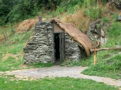 stone cottage at the Chinese settlement, Arrowtown, New Zealand Stone Cottages, Stone Houses, Arrowtown New Zealand, New Zealand Travel Guide, Medieval, Living Place, Victorian Photos, Concrete Building, Living Off The Land