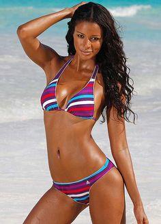 Chivas babes in bikinis
