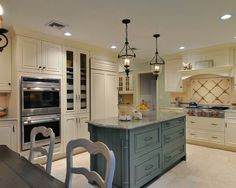 Traditional Kitchen Gas Cooktop Thermador Design, Pictures, Remodel, Decor and Ideas - page 15