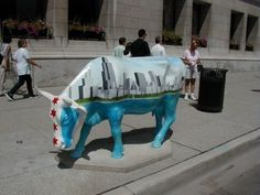 """Chicago, Illinois - Cows on Parade 1999 - this one is """"Chi-cow-go"""" - there were 340 life size fiberglass cow statues that were sold at auction and the money was donated to charities Chicago Art, Chicago Illinois, Chicago Buildings, Cow Parade, Cow Creamer, Cool Restaurant, My Kind Of Town, Cow Art, World Cities"""