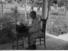 Upton Sinclair, on the terrace of his Hollywood home (Erich Salomon, 1930)