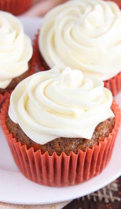 Classic Carrot Cake Cupcakes