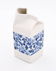 Pimpernel medium milk jug by Hannery Sgaard Ceramics, Bristol based ceramics studio.