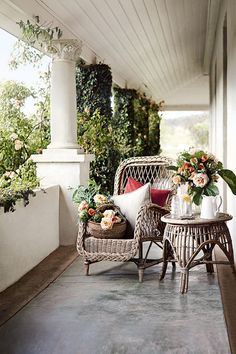 Farmhouse porches are designed for comfort. They are usually large, inviting, and can accommodate the always favorite porch swing rocking chairs too! Sweet Home, Outdoor Rooms, Outdoor Living, Terrasse Design, Porch Veranda, Front Verandah, Gazebos, Southern Porches, Country Porches