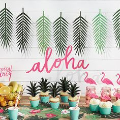 Aloha Party In A Box, Exotic Party Decoration, Garden Party Decor, Summer Party, Last Minute Party Decor Aloha Party, Tiki Party, Festa Party, Party Party, Flamingo Party, Flamingo Birthday, Flamingo Cupcakes, Hawaiian Birthday, Luau Birthday