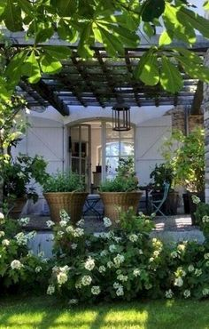 Front Yard Side Yard and Back Yard Landscaping Design Idea - 50 Awesome Front Yard Side Yard and Back Yard Landscaping Design Idea - pergola would be nice for shade in the back but not with plants on top, don't like the idea of bugs falling at Awes Farmhouse Landscaping, Front Yard Landscaping, Landscaping Ideas, Landscaping Software, Backyard Ideas, Mulch Landscaping, Hydrangea Landscaping, Backyard Patio, Outdoor Rooms