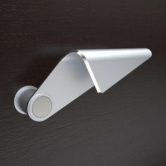 Riccardo Martini, Achille Michelizzi — Hands on door handles - International design competition