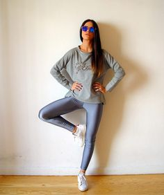 The grey PCP leggings Lycra Leggings, Shiny Leggings, Jogging Outfit, Pilates Clothes, Athleisure Outfits, Womens Workout Outfits, Fitness Fashion, Style Summer, Spring Summer
