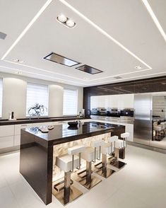 A collection of amazing home kitchen design ideas. Designed with modern design ideas, luxurious, small, rustic, etc.