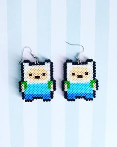 Finn the Human Inspired Earrings Perler Bead Templates, Diy Perler Beads, Perler Bead Art, Pearler Beads, Melty Bead Patterns, Pearler Bead Patterns, Beading Patterns, Hama Beads Jewelry, Fuse Beads
