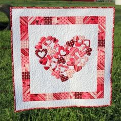Lovely heart quilt design by Frivolous Necessity a perfect design for Valentine's Day, or any romantic time of the year. source:  QuiltShopGal.com