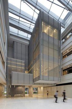 National Design Centre / SCDA Architects  זה מעניין בשוני הטקסטורות והמבנים המרובעים בתוך המרובע.