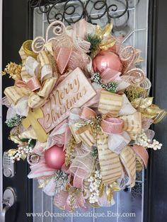 Gingerbread Christmas Decor, Merry Christmas Sign, Christmas Swags, Elegant Christmas, Easter Wreaths, Pink Christmas, Holiday Wreaths, Christmas Crafts, Spring Wreaths