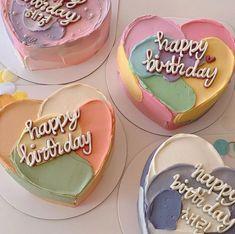 Fancy Cakes, Mini Cakes, Cupcake Cakes, Frog Cakes, Pretty Birthday Cakes, Pretty Cakes, Simple Cake Designs, Korean Cake, Pastel Cakes