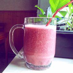 ...'Best way to eat bananas! ... Just add some garden berries, apple juice, natural yogurt and a nectarine! ...Still got my old @themagicbullet blender!   #bananashake #itsgoodforyou #topofthemorning #healthyfood #banana #blackcurrant #redcurrant #nectarine #yogurt #applejuice #blend #tastesgood #themagicbullet #instahealth #health #healthy #sogood #healthychoices #tasty #food #drinks #instadrink #healthdrink #goodfood #berries #blendit #instablend #njam #yummy