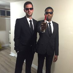 Men in Black: One of our favorite DIY costumes for Halloween. Your wallet will thank you! Cheap and easy DIY costumes are all that matter this Halloween, and we are here to tell you that you can consider your 2019 costume complete thanks to these Homemade Halloween Costumes, Easy Halloween Costumes, Movie Costumes, Adult Costumes, Guy Costumes, Science Costumes, Easy Diy Costumes, Creative Costumes, Halloween Men