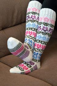 KARDEMUMMAN TALO: Taimihässäkät Mittens, Socks, Tutorials, Fingerless Mitts, Fingerless Mittens, Sock, Gloves, Stockings, Ankle Socks