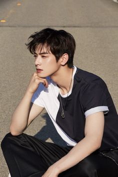 Cha Eunwoo from Astro Park Bogum, Yang Yang Actor, K Drama, Cha Eunwoo Astro, Lee Dong Min, Handsome Korean Actors, Kim Woo Bin, Kdrama Actors, Mode Masculine