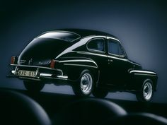 """Nice old """"hump back"""" Volvo! Volvo Amazon, Volvo Cars, Small Cars, Buick, Custom Cars, Cars And Motorcycles, Retro Vintage, Classic Cars, Automobile"""