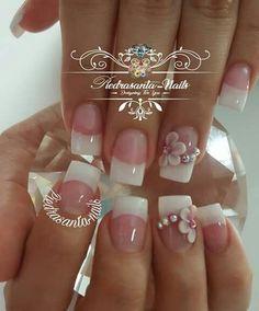 Uñas lindas Fingernail Designs, Toe Nail Designs, Acrylic Nail Designs, Fancy Nails, Trendy Nails, Nail Manicure, Toe Nails, Bridal Nail Art, Wedding Nails Design
