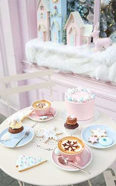 Peggy Porschen Cakes has a selection of Birthday cakes and cupcakes. Turquoise Christmas, Silver Christmas, Christmas Colors, Christmas Time, Peggy Porschen Cakes, Pink Cafe, Kitsch, Cute Cups, Shabby Chic Christmas