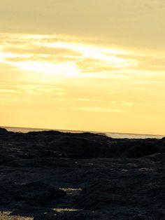 Puesta de sol en Playa Langosta, Guanacaste