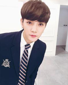 Image about kpop in ☆°Nuest°☆ by Taehoneyhyung Korean Entertainment, Pledis Entertainment, Shinee, G Dargon, Joo Hyuk, Big Bang, Produce 101 Season 2, Nu Est, Pop Bands