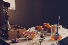 grapefruit mini cakes http://tmblr.co/Zk4jHs1kdbbq1  Fotos: Dona da Casa!