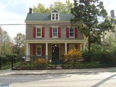 162 W QUEEN LN, Philadelphia, PA