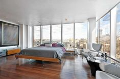 The glass cube penthouse sits atop a historic Art Deco loft building in Manhattan's Tribeca neighborhood and is wrapped with a private terrace. New York Loft, Penthouse Apartment, York Apartment, Zen Bed, Home Nyc, Nyc Real Estate, Glass Cube, Modern Loft, Cool Apartments